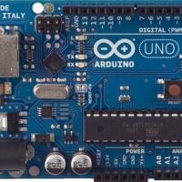 1 Arduino Uno rev3